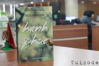tang-sach-hanh-phuc-dich-thuc-hoang-anh-suong-thich-nhat-hanh